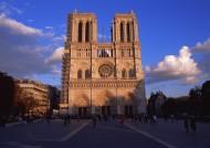 法国巴黎圣母院图片_4张