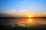 湖北汤逊湖日出风景图片_13张