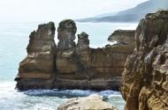 新西蘭普納凱基的千層石巖與噴水洞圖片_8張