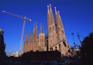 西班牙圣家大教堂图片_8张