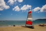 三亚亚龙湾的帆船图片_8张