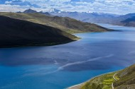 西藏羊卓雍错风景图片_16张