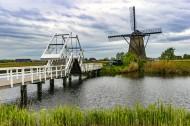 荷兰风车村风景图片_9张