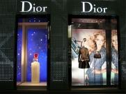 Dior櫥窗設計圖片_21張