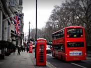 街上红色的电话亭图片_16张