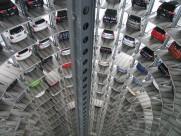 停滿車的停車場圖片_15張