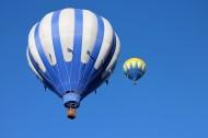 高空中的热气球图片_14张