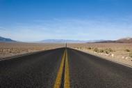 筆直的公路圖片_13張