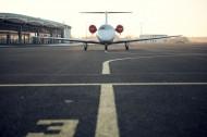 机场里的飞机图片_14张