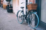 街邊的自行車圖片_15張