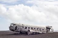 破损的飞机图片_12张