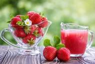 酸甜可口的草莓饮料图片_15张