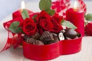 浪漫玫瑰和香浓巧克力图片_17张