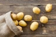 一大堆美味的马铃薯图片_14张