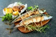各种美味的烤鱼图片_11张