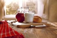 早餐牛奶與面包圖片_17張