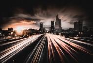 公路上延時拍攝出現的汽車燈光圖片_13張