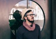 带着眼镜的男子图片_11张