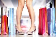 提著購物袋的美女圖片_10張