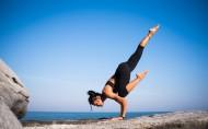 练习瑜伽的人图片_10张