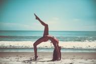 练瑜伽的美女图片_11张