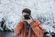 正在攝影的男生圖片_23張