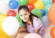 女孩和气球图片_28张