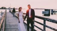 牵着手的新娘与新郎图片_10张