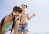 沙灘快樂女孩圖片_24張