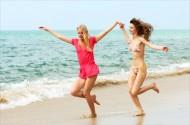 沙滩女孩图片_21张