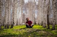 树林里的美女图片_10张