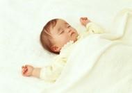 熟睡的宝宝图片_15张