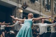 正在跳舞的人图片_14张