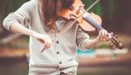 拉小提琴的人物图片_16张