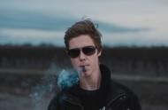 吸煙的男士圖片_17張