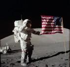 太空中的宇航员图片_11张