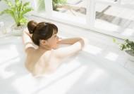 沐浴中的女孩图片_47张