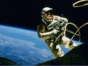 探索宇宙-太空中的宇航員圖片_29張