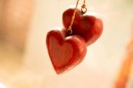 木质爱心形状挂饰图片_7张