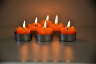 點燃的蠟燭圖片_9張