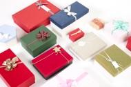 五颜六色的礼品盒图片_10张