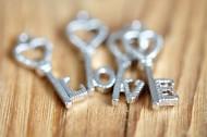 LOVE字体造型图片_19张