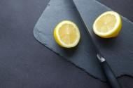 正在切檸檬的水果刀圖片_19張