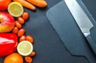 水果刀和各種蔬菜水果擺放一起圖片_11張