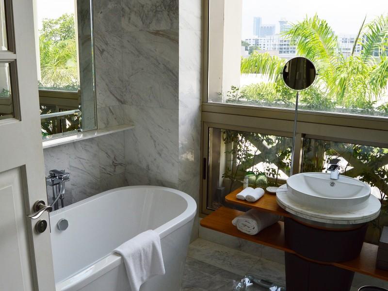 点击大图看下一张:各式各样的浴缸图片