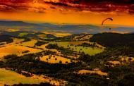 惊险的滑翔伞运动图片_12张