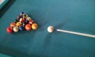 桌上的台球图片_10张