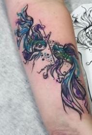 适合双鱼座的9张双鱼纹身图案
