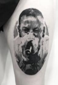 黑灰色的欧美人物头像纹身图案