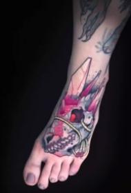 脚背上的一组Newschool纹身图案作品